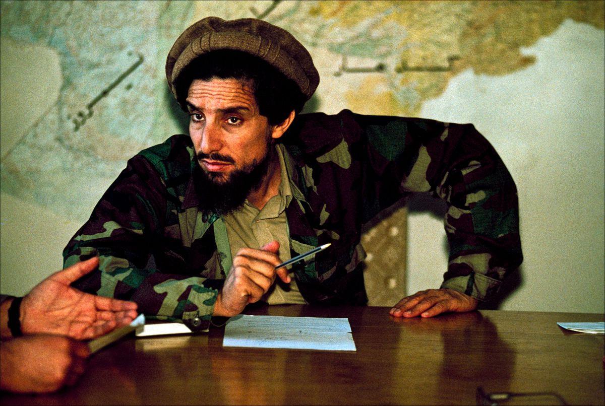 Ахмад Шах Масуд, получив образование по западным стандартам, стал известен как один из самых влиятельных полевых командиров моджахедов